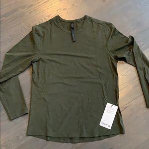 Men's Lululemon 5 year basic long sleeve shirt
